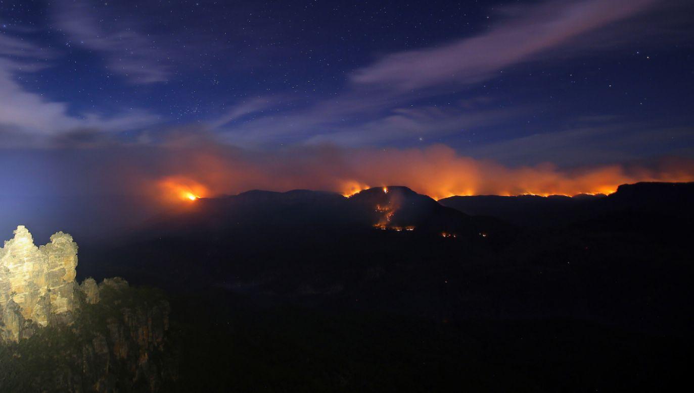 Ogień objął już obszar ok. 300 tys. hektarów  (fot. PAP/EPA/STEVEN SAPHORE)