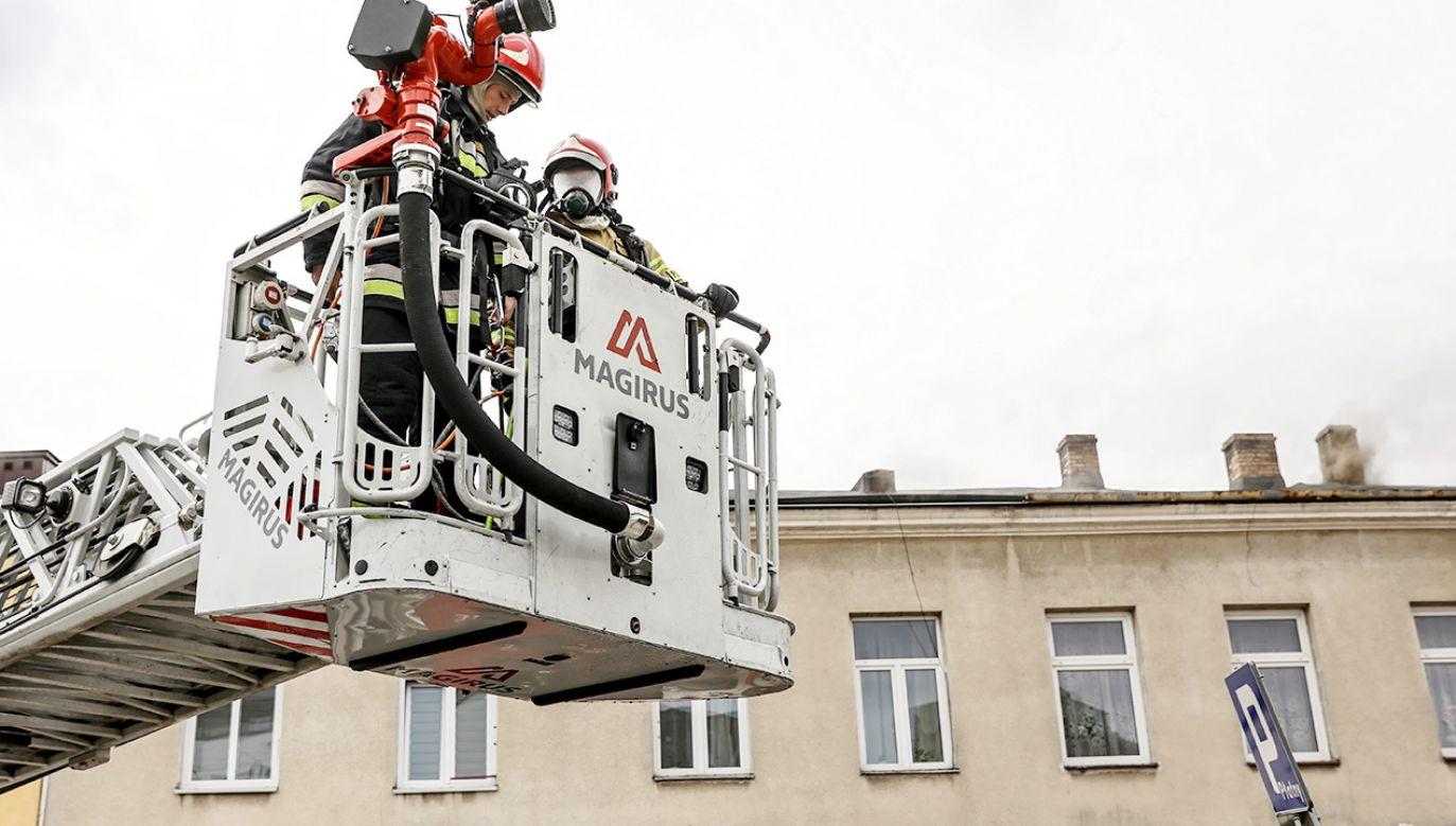 Dziecko zatrzasnęło mamę na balkonie (fot. PAP/Piotr Polak; zdjęcie ilustracyjne)