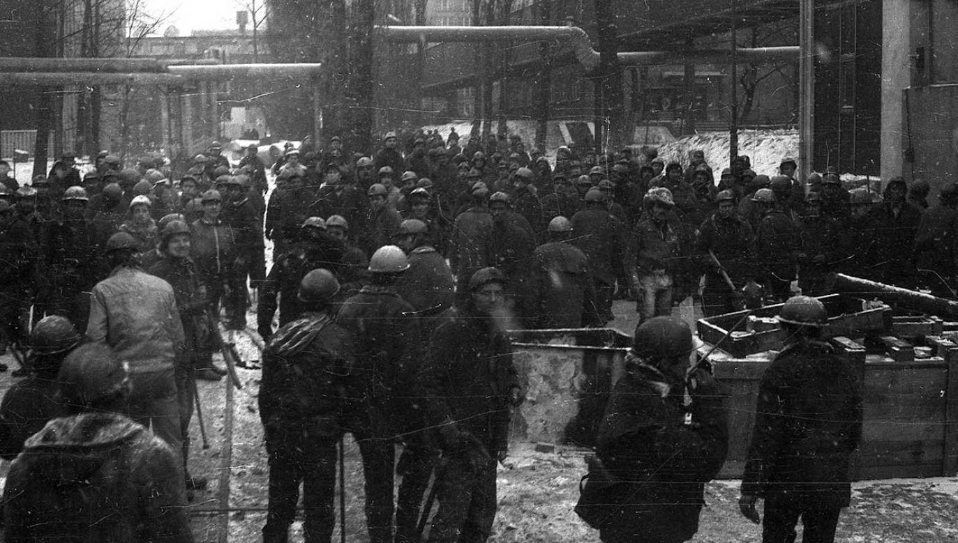 Pacyfikacja Kopalni Węgla Kamiennego Wujek (fot. arch. PAP/Marek Janicki)