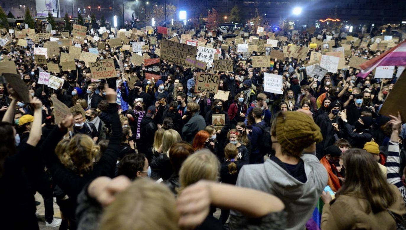 Protesty zwolenników aborcji (fot. Artur Widak/NurPhoto via Getty Images)