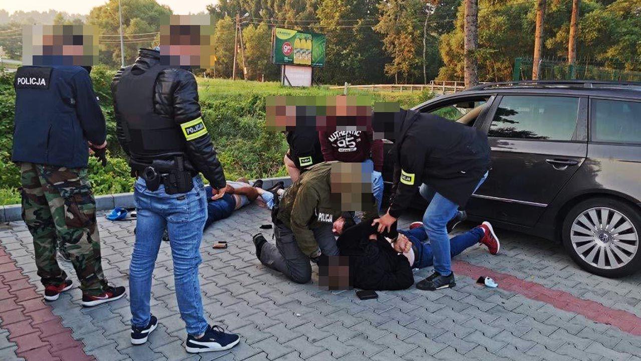 Trójka zatrzymanych to obywatele Rumunii w wieku 29, 37 i 42 lata (fot. Policja)