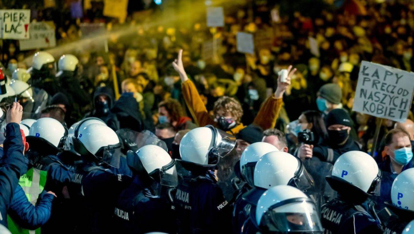 W piątek odbyły się największe zgromadzenia (fot.PAP/Andrzej Grygiel)
