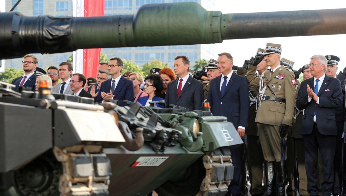 200 tys. widzów defilady to dowód na to, że na Górnym Śląsku mieszkają polscy patrioci – ocenił szef MON (fot. PAP/Andrzej Grygiel)