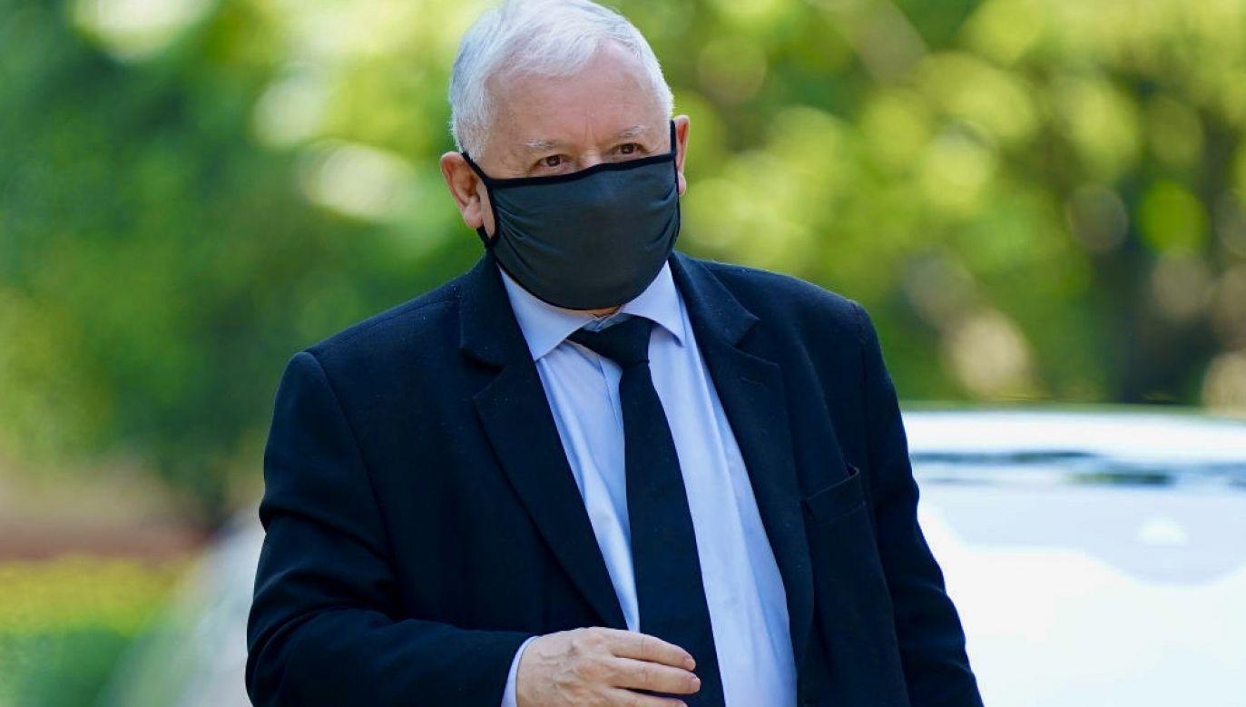 Skierowanie na kwarantannę prezes PiS otrzymał od służb sanitarnych (fot. Sean Gallup/Getty Images)