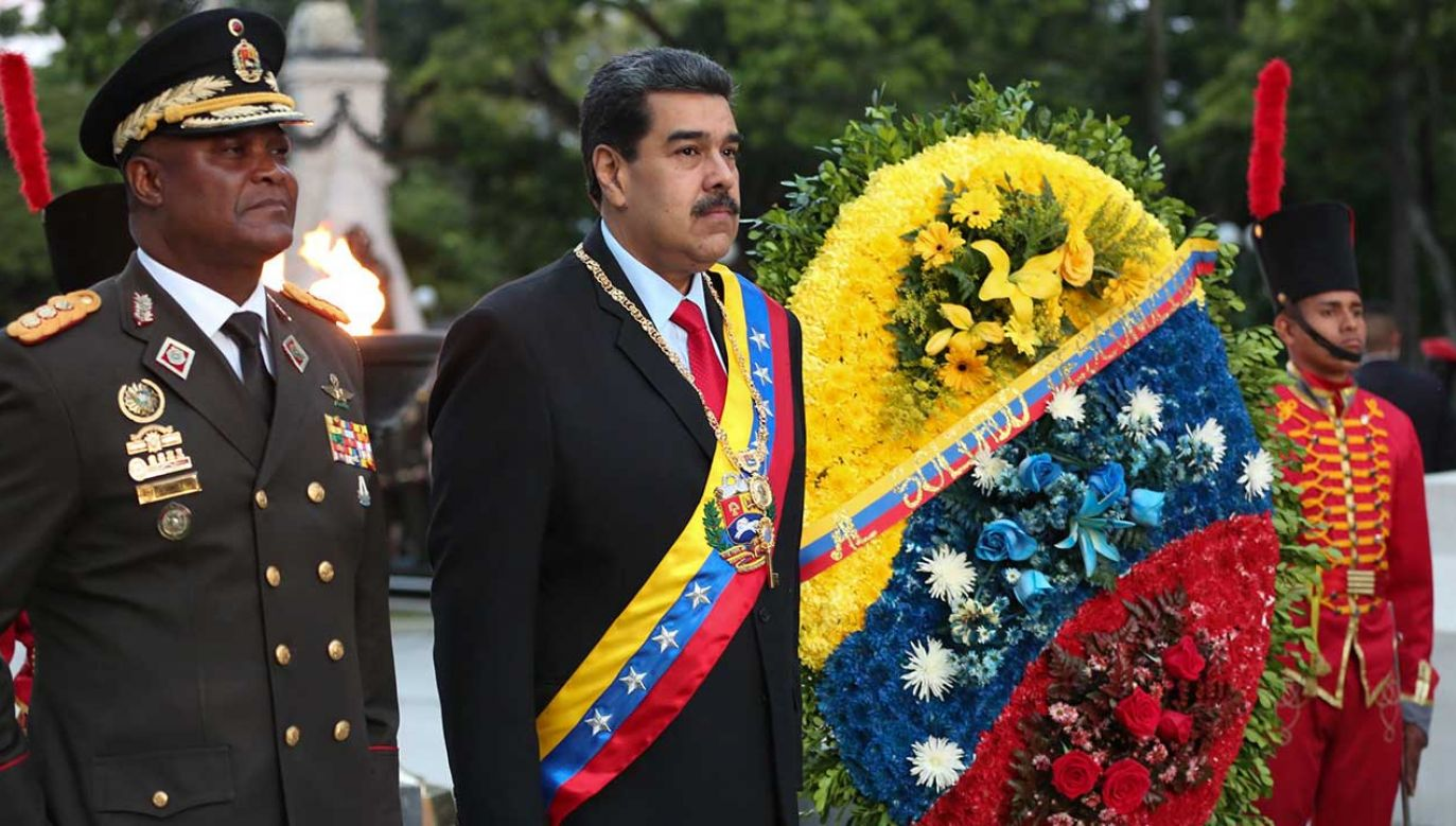 Prezydent Wenezueli Nicolasa Maduro podczas obchodów Dnia Armii (fot. PAP/EPA/MIRAFLORES PRESS HANDOUT)