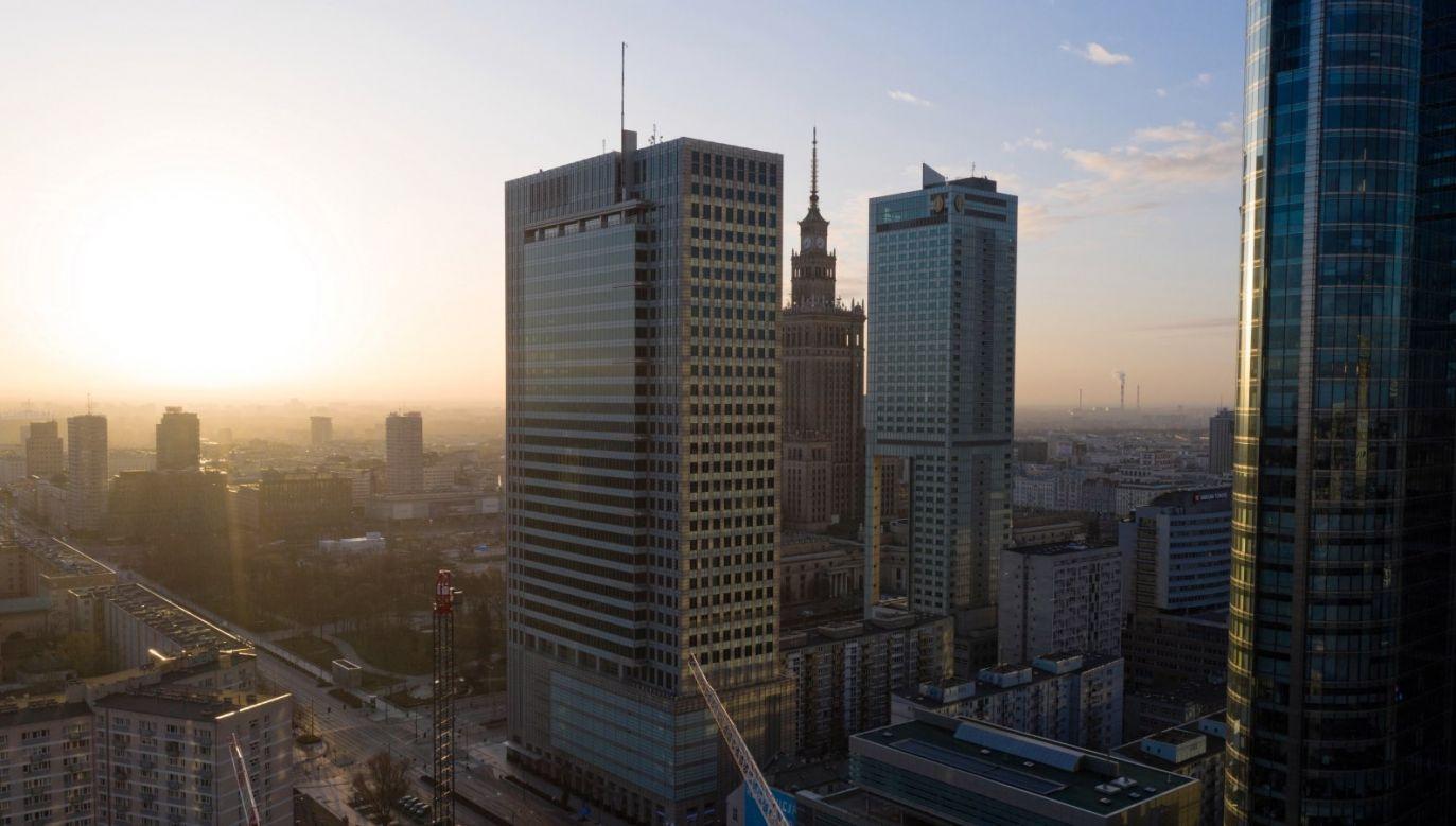 W Warszawie w ciągu ostatniej doby odnotowano 39 nowych przypadków zakażeń koronawirusem (fot. PAP/Leszek Szymański)