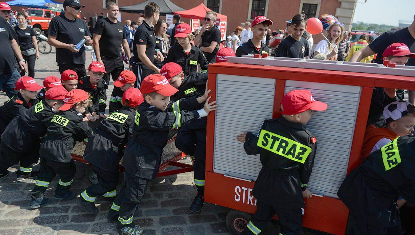 Nie wszyscy pracodawcy na czas akcji gaśniczej lub ratunkowej chcą zwalniać ochotników z OSP z pracy – zaznaczyła marszałek Sejmu Elżbieta Witek i dodała, że rząd PiS zamierza to zmienić (fot. arch.PAP/Jakub Kamiński)