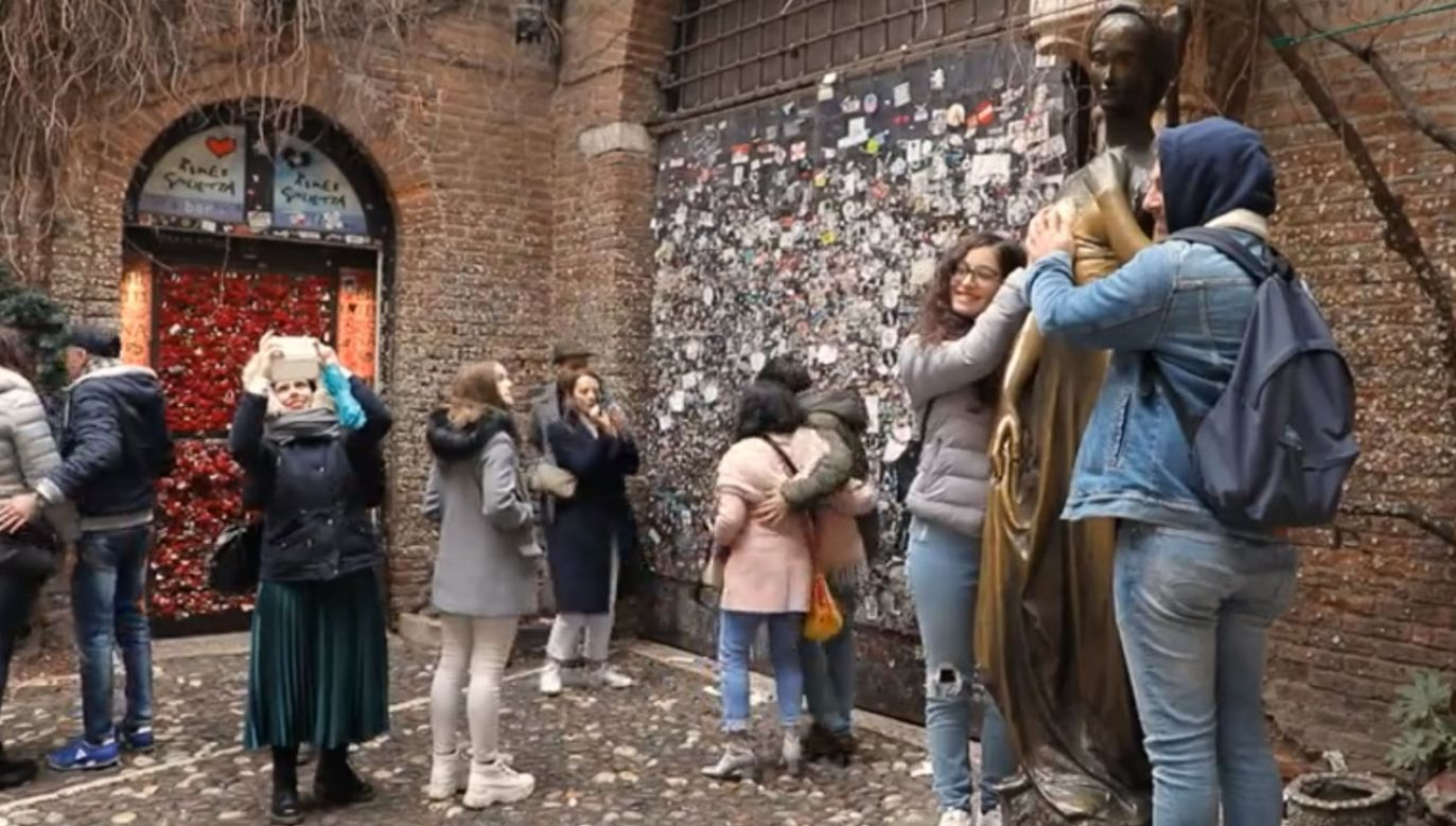 Tysiące osób pisze listy do Julii w Weronie (fot. FRANCE TÉLÉVISION)