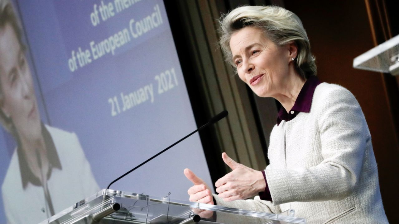 Ursula von der Leyen (fot. PAP/EPA/OLIVIER HOSLET)
