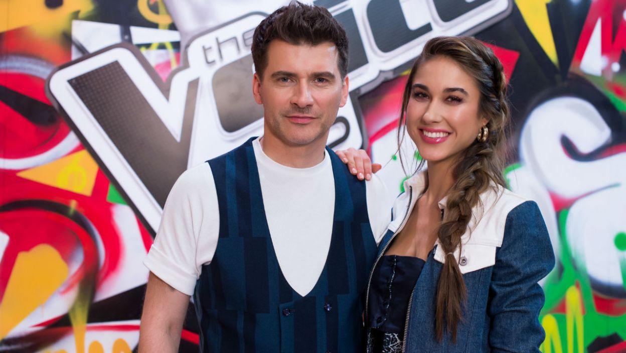 Uśmiech, ciepło, wsparcie, czyli Ida Nowakowska i Tomasz Kammel jako prowadzący program (fot. TVP/Jan Bogacz)