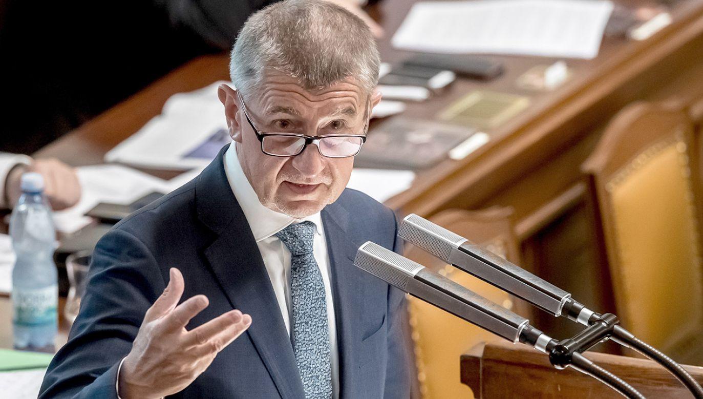 W głosowaniu nad votum zaufania, gabinet Babisza poparli członkowie kierowanego przez premiera ruchu ANO i koalicyjnej Czeskiej Partii Socjaldemokratycznej (CSSD)(fot. PAP/EPA/MARTIN DIVISEK)