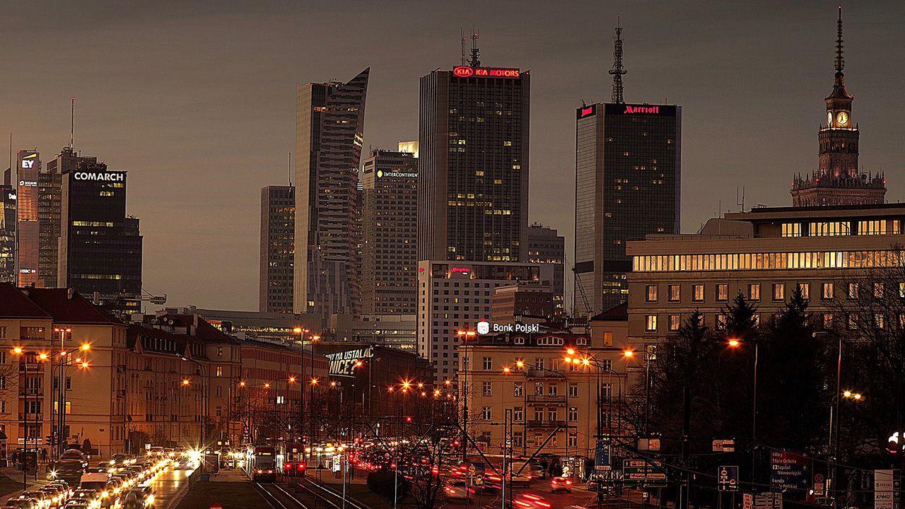 Komisarz przyznał, że w Polsce wiele firm rozwinęło swoją działalność (fot. Pixabay/Arcaion)