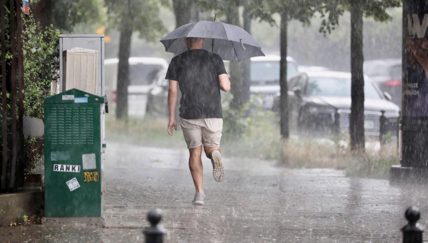 Pogoda może być groźna (fot. PAP/Leszek Szymański)